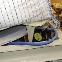 MARTIN<SUP>®</SUP> NCT™ Rotary Turbine Vibrator unloading big bags.