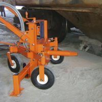 MARTIN<SUP>®</SUP> Adjustable-Height Railcar Gate Opener delivers 2700 pounds of torque at 90 PSI to open tough gates efficiently, without excessive manual labor or damage to cars.